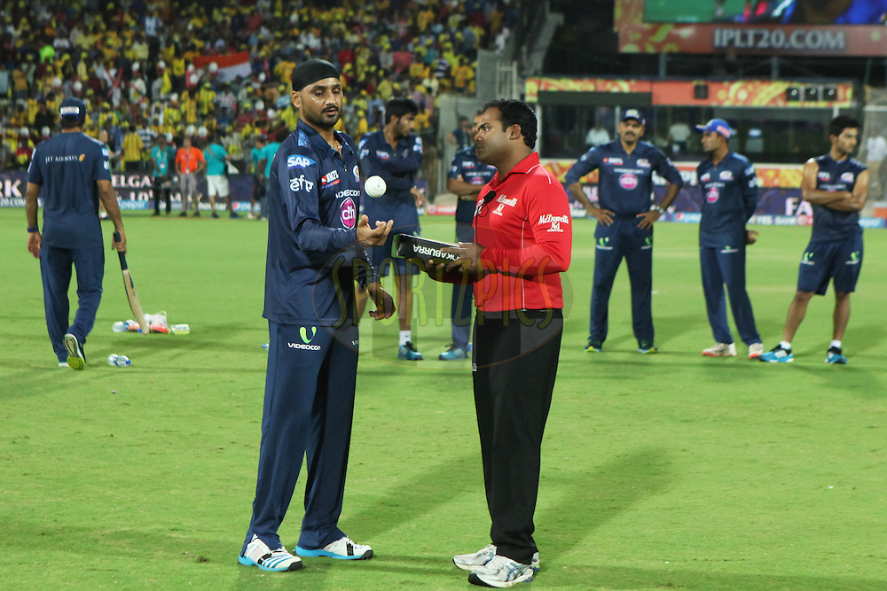 Harbhajan Sing of MI Checking match balls during match 43 of the Pepsi IPL 2015 (Indian Premier League) between The Chennai Superkings and The Mumbai Indians held at the M. A. Chidambaram Stadium, Chennai Stadium in Chennai, India on the 8th May April 2015.<br /> <br /> Photo by:  Saikat Das / SPORTZPICS / IPL