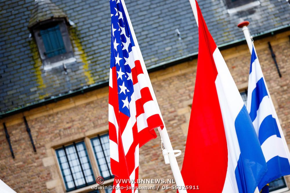 NLD//Middelburg20160421 - Four Freedoms Awards 2016, vlaggen Amerika en Nederland