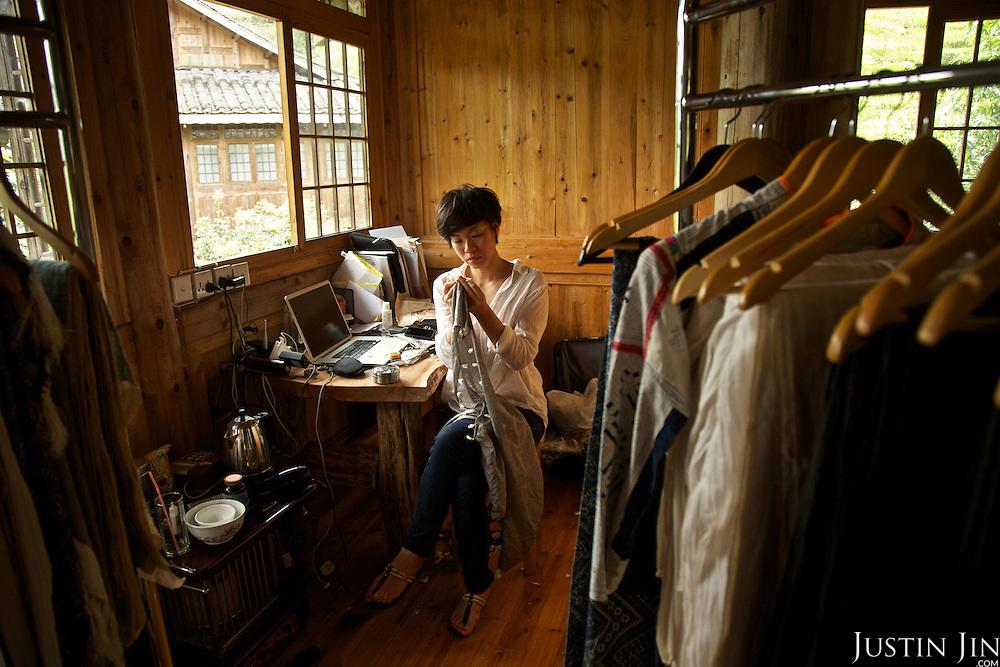 Angel Cheng at work in Dimen.