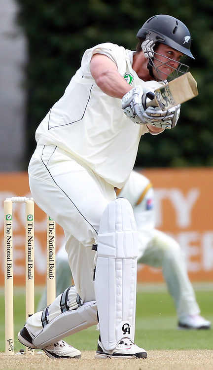 James Franklin batting during play on Day 1 of the 2nd test match.  New Zealand Black Caps v Pakistan, Test Match Cricket. Basin Reserve, Wellington, New Zealand. Saturday 15 January 2011. Photo: Andrew Cornaga/photosport.co.nz
