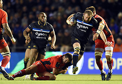 Tom Dunn of Bath Rugby takes on the Toulon defence - Mandatory byline: Patrick Khachfe/JMP - 07966 386802 - 09/12/2017 - RUGBY UNION - Stade Mayol - Toulon, France - Toulon v Bath Rugby - European Rugby Champions Cup