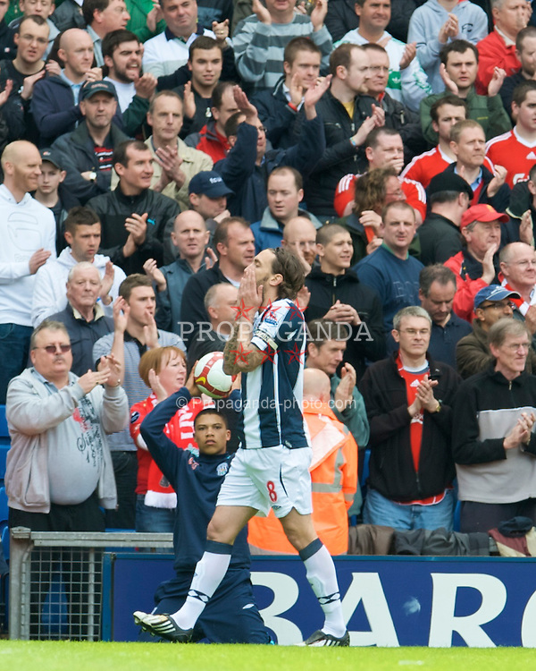 WEST BROMWICH, ENGLAND - Sunday, May 17, 2009: West Bromwich Albion's captain Jonathan Greening rues a missed chance against Liverpool during the Premiership match at the Hawthorns. (Photo by David Rawcliffe/Propaganda)