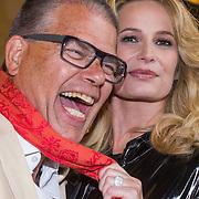 """NLD/Amsterdam/20130613 - Presentatie erotische triller """" Kamer 303 """" van Claudia Schoemacher - van Zweden, met Emile Ratelband"""