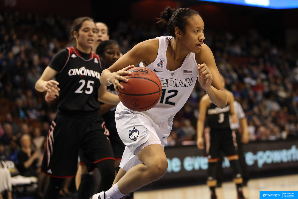 Saniya Chong, UConn, in action during the UConn Vs Cincinnati Quarterfinal Basketball game at the American Women's College Basketball Championships 2015 at Mohegan Sun Arena, Uncasville, Connecticut, USA. 7th March 2015. Photo Tim Clayton