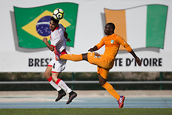 AUBAGNE, FRANCE - Tuesday, May 30, 2017: Bahrain's Jameel Sabba Husain in action against Ivory Coast's Almansoori Abdulaziz Khalid during the Toulon Tournament Group B match between Bahrain and Ivory Coast at the Stade de Lattre-de-Tassigny. (Pic by Laura Malkin/Propaganda)