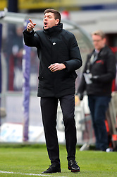 Rangers manager Steven Gerrard instructs his players during the Scottish Premiership match at Dens Park, Dundee.