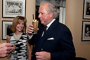 ANNA CARTER; GRAYDON CARTER TRIES THE COCKTAIL NAMED AFTER HIM, Graydon Carter hosts a dinner to celebrate the reopening og the American Bar at the Savoy.  Savoy Hotel, Strand. London. 28 October 2010. -DO NOT ARCHIVE-© Copyright Photograph by Dafydd Jones. 248 Clapham Rd. London SW9 0PZ. Tel 0207 820 0771. www.dafjones.com.