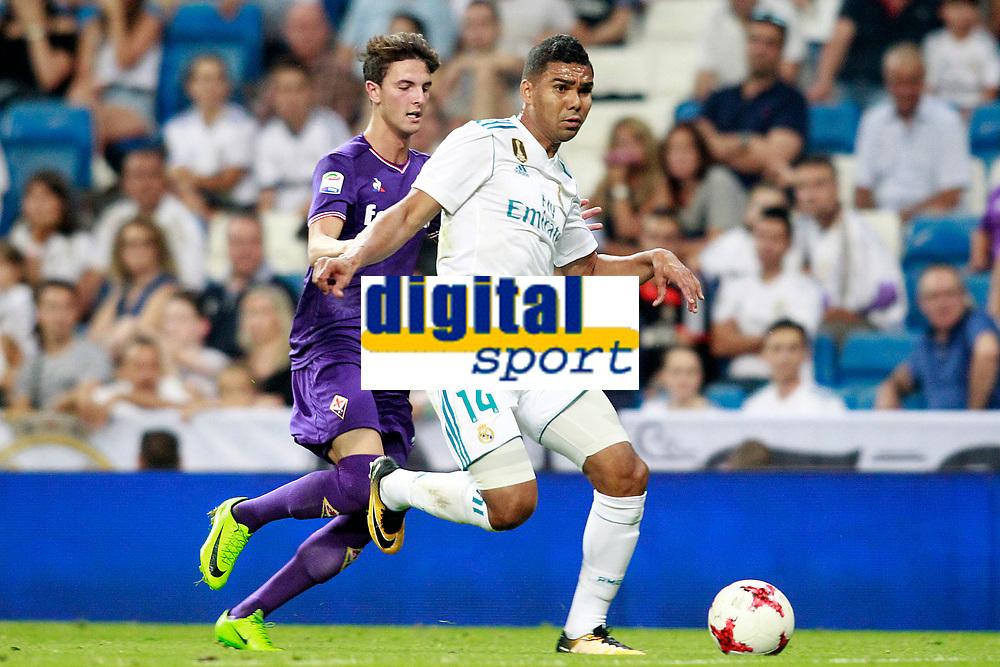 Real Madrid's Carlos Henrique Casemiro (r) and ACF Fiorentina's Rafik Zekhnini during Santiago Bernabeu Trophy. August 23,2017. (ALTERPHOTOS/Acero)