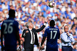 Manchester United manager Jose Mourinho tries to catch the ball as Leicester City manager Claudio Ranieri looks on - Rogan Thomson/JMP - 07/08/2016 - FOOTBALL - Wembley Stadium - London, England - Leicester City v Manchester United - The FA Community Shield.