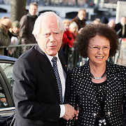 NLD/Amsterdam/20080201 - Verjaardagsfeest Koninging Beatrix en prinses Margriet, Eef Brouwer en partner
