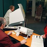 Stemmen verkiezingen 1998 gemeentehuis