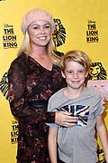 Tweede verjaardag van The Lion King in het AFAS Circustheater in Scheveningen. Het wordt een héél bijzondere avond, want The Lion King trakteert dit jaar de LINDA.foundation<br /> <br /> Op de foto:  Bridget Maasland en zoon Mees