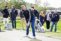 AMSTELVEEN - GOLF - Mirco Pruijser. Par 3 wedstrijd tussen vier voetballers en vier hockeyers, tijdens de Amsterdam Golf Show op de golfbaan van Amsteldijk. Organisator Arthur Beerendonk. De hockeyers zijn Valentin Verga, Billy Bakker, Mirco Pruijser , Robert Tiggesen  voetballers John Bosman, Barry van Galen, Mickey Van der Hart (Ajax) en Joël Veltman (Ajax). FOTO KOEN SUYK