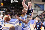 DESCRIZIONE : Campionato 2014/15 Dinamo Banco di Sardegna Sassari - Virtus Acea Roma<br /> GIOCATORE : David Logan<br /> CATEGORIA : Palleggio Penetrazione<br /> SQUADRA : Dinamo Banco di Sardegna Sassari<br /> EVENTO : LegaBasket Serie A Beko 2014/2015<br /> GARA : Dinamo Banco di Sardegna Sassari - Virtus Acea Roma<br /> DATA : 15/02/2015<br /> SPORT : Pallacanestro <br /> AUTORE : Agenzia Ciamillo-Castoria/C.Atzori<br /> Galleria : LegaBasket Serie A Beko 2014/2015<br /> Fotonotizia : Campionato 2014/15 Dinamo Banco di Sardegna Sassari - Virtus Acea Roma<br /> Predefinita :Predefinita :
