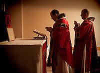 Lisa Johnston | lisa@aeternus.com | Tiwtter: @aeternusphoto  Oratory of Ss. Gregory & Augustine, vestments