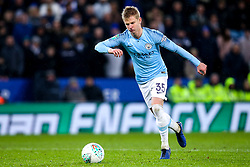 Oleksandr Zinchenko of Manchester City scores his penalty to win the Carabao Cup Quarter Final against Leicester City - Mandatory by-line: Robbie Stephenson/JMP - 18/12/2018 - FOOTBALL - King Power Stadium - Leicester, England - Leicester City v Manchester City - Carabao Cup Quarter Finals
