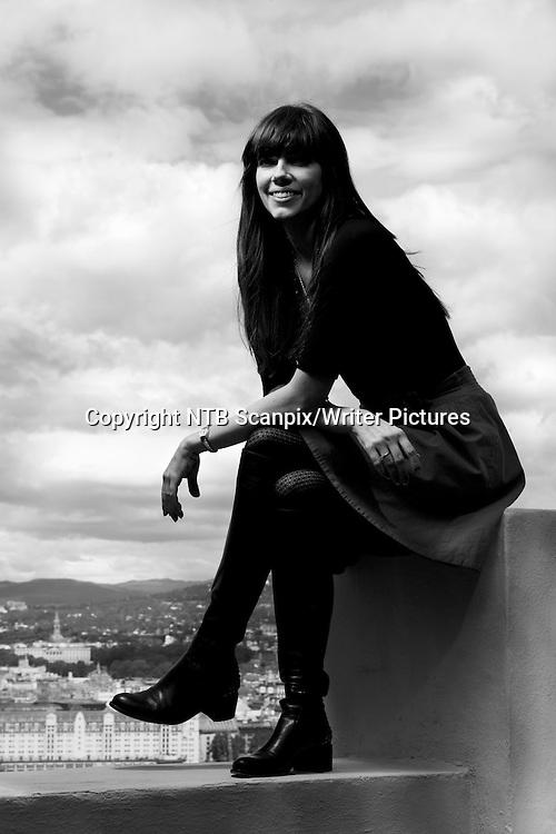 Oslo  20110525. Forfatter Kate Morton utenfor Ekebergrestauranten. Den australske suksessforfatteren er i Oslo i forbindelse med hennes tredje roman &quot;En svunnen tid&quot; og skal videre til Litteraturfestivalen i Lillehammer.<br /> Foto: Berit Roald / Scanpix<br /> <br /> NTB Scanpix/Writer Pictures<br /> <br /> WORLD RIGHTS, DIRECT SALES ONLY, NO AGENCY