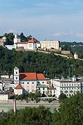 Blick auf Passau mit Veste Oberhaus, Donau, Bayerischer Wald, Bayern, Deutschland | view on Passau, Danube, Bavarian Forest, Bavaria, Germany