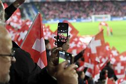 November 12, 2017 - Basel, 12.11.2017, Fussball WM Qualifikation Playoff, Schweiz - Nordirland, Feature Fan macht ein Foto mit Smartphone iPhone der Fahnen. (Credit Image: © Daniel Christen/EQ Images via ZUMA Press)