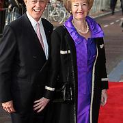 NLD/Amsterdam/20080201 - Verjaardagsfeest Koninging Beatrix en prinses Margriet, Paul Nouwen en partner Monique Walrave