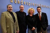 """20 DEC 2004, BERLIN/GERMANY:<br /> Axel Troost, Geschaeftsfuehrer Memorandum Gruppe - AG Altnernative Wirtschaftspolitik, Thomas Haendel, 1. Bevollmaechtigter IG Metall Fuerth,  Sabine Loesing, Mitglied des Attac-Rates, Klaus Ernst, 1. Bevollmaechtigter IG Metall Schweinfurt,(v.L.n.R.), Mitglieder des geschaeftsfuehrenden Vorstandes des Vereins """"Wahlalternative Arbeit & soziale Gerechtigkeit"""", nach einer Pressekonferenz, Bundespressekonferenz<br /> IMAGE: 20041220-01-012<br /> KEYWORDS: Thomas Händel, Sabine Lösing"""