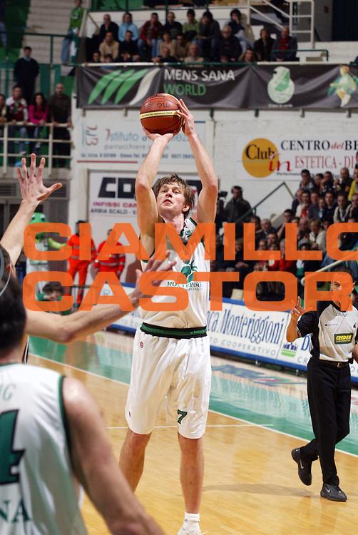 DESCRIZIONE : Siena Lega A1 2005-06 Montepaschi Siena Climamio Fortitudo Bologna <br /> GIOCATORE : Boisa <br /> SQUADRA : Montepaschi Siena <br /> EVENTO : Campionato Lega A1 2005-2006 <br /> GARA : Montepaschi Siena Climamio Fortitudo Bologna <br /> DATA : 08/01/2006 <br /> CATEGORIA : Tiro <br /> SPORT : Pallacanestro <br /> AUTORE : Agenzia Ciamillo-Castoria/G.Ciamillo