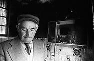 Lipik, 01/01/1993: il signor Milko in quello che resta della sua casa, Lipik &egrave; stata distrutta per l'80%<br /> &copy;Andrea Sabbadini