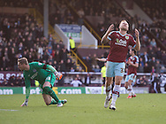 Scott Arfield of Burnley (right) shows his frustration at missing an opportunity as Brighton and Hove Albion goalkeeper  David Stockdale (left) is relieved during the Sky Bet Championship match at Turf Moor, Burnley<br /> Picture by Russell Hart/Focus Images Ltd 07791 688 420<br /> 22/11/2015