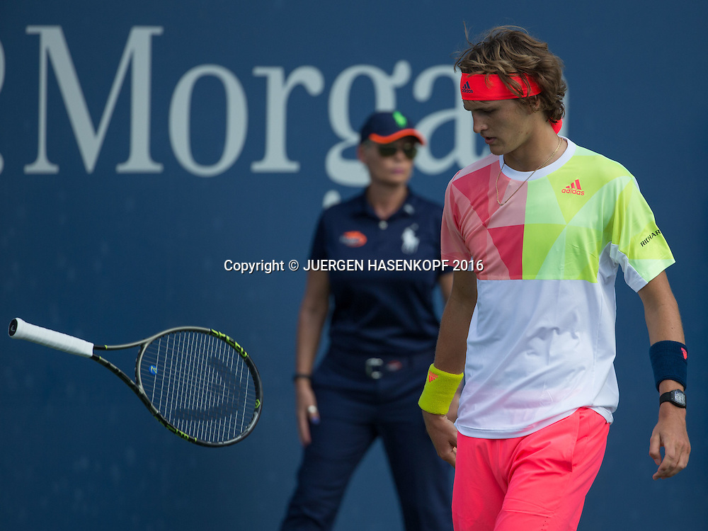 ALEXANDER ZVEREV (GER) reagiert veraergert und wirft seinen Schlaeger, Aerger,Frust,Emotion,<br /> <br /> Tennis - US Open 2016 - Grand Slam ITF / ATP / WTA -  USTA Billie Jean King National Tennis Center - New York - New York - USA  - 30 August 2016.
