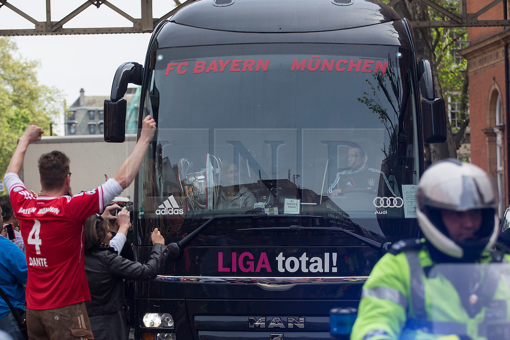 © licensed to London News Pictures. London, UK 26/05/2013. FC Bayern Munich players leaving The Landmark Hotel in central London on Sunday, 26 May 2013 after their UEFA Champions League victory in Wembley Stadium against Borussia Dortmund. Photo credit: Tolga Akmen/LNP