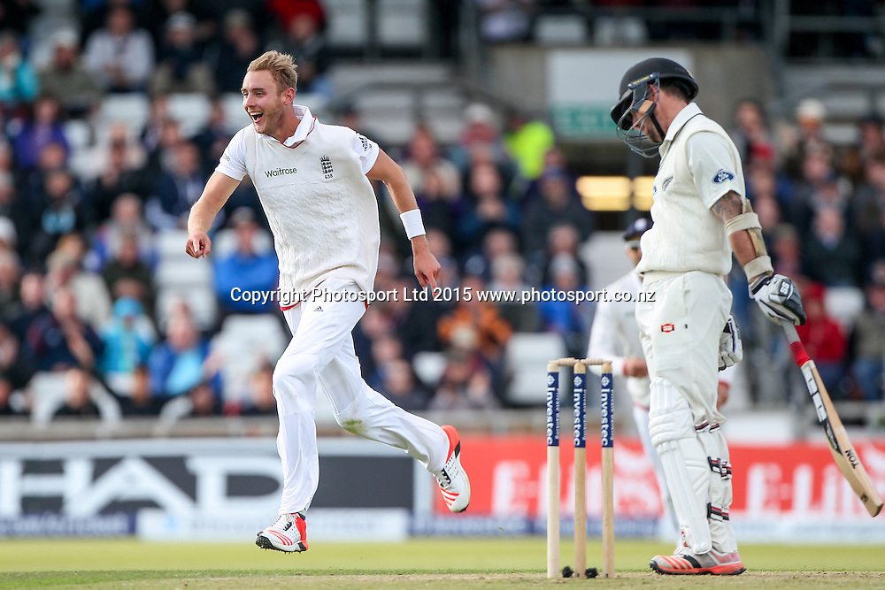Picture by Alex Whitehead/SWpix.com - 29/05/2015 - Cricket - 2nd Investec Test: England v New Zealand, Day 1 - Headingley Cricket Ground, Leeds, England - England's Stuart Broad celebrates the wicket of New Zealand's Luke Ronchi (caught Anderson).