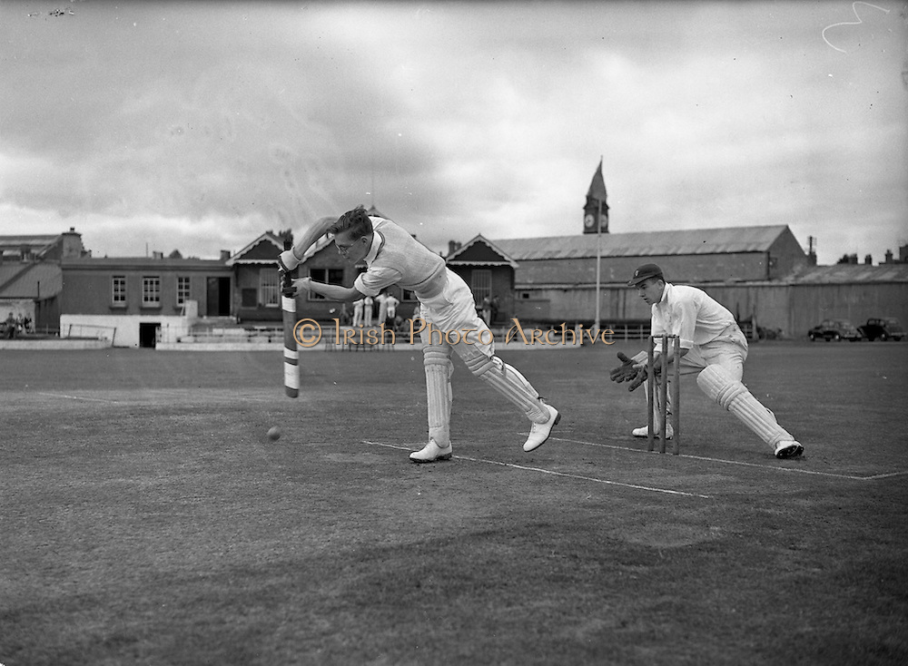 09/07/1952<br /> 07/09/1952<br /> 09 July 1952<br /> Munster v Leinster Schools Cricket at Rathmines, special for the Cork Examiner.