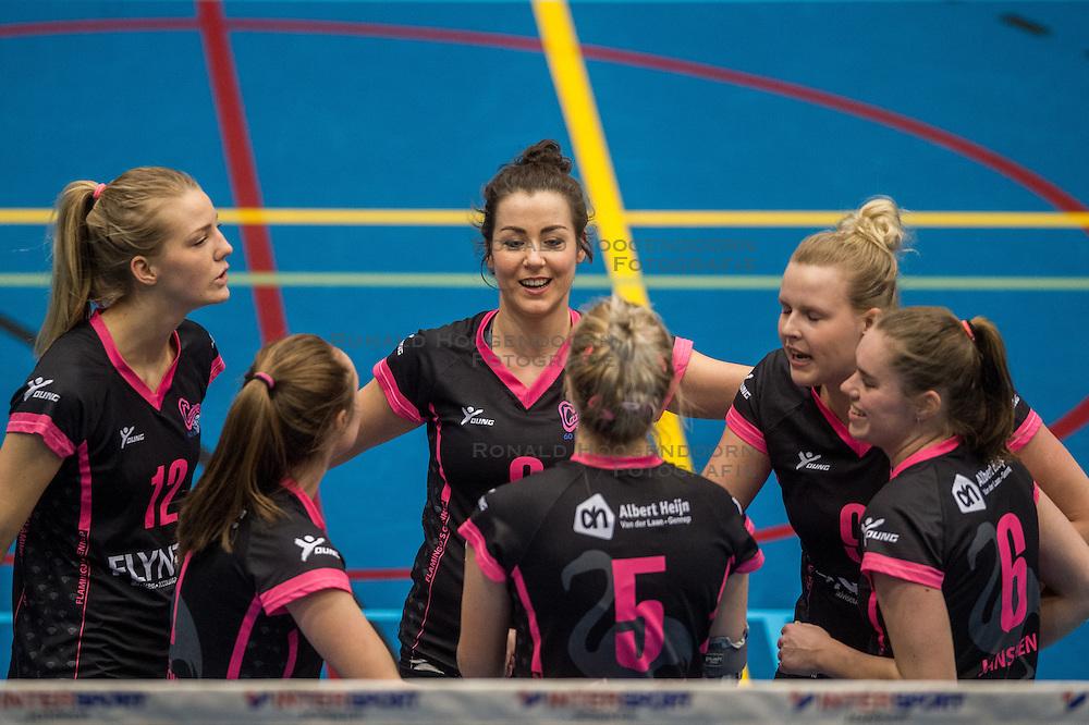 09-04-2016 NED: SV Dynamo - Flamingo's 56, Apeldoorn<br /> Flamingo's doet een goede stap naar het kampioenschap in de Topdivisie. Dynamo wordt met 3-0 verslagen / Steffie Janshen #6 of Flamingo, Shannon Gerhardt #8 of Flamingo, Anke Sonnemans #9 of Flamingo, Nynke Rovers #12 of Flamingo