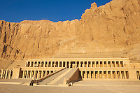 Egypte, Haute Egypte, vallée du Nil, environs de Louxor, nécropole thébaine classée Patrimoine Mondial de l'UNESCO, Thèbes Ouest, Deir El Bahari, temple d'Hatchepsout // Egypt, Nile Valley, Luxor, Thebes, West bank of the River Nile, Temple of Hatshepsut, Deir el Bahar