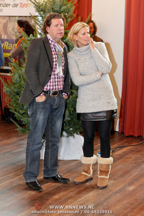 NLD/Amsterdam/20101208 - Skyradio Christmas Tree for Charity 2010, Henkja Smits en partner Petra Morselt