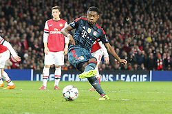 19.02.2014, Emirates Stadion, London, ENG, UEFA CL, FC Arsenal vs FC Bayern Muenchen,  Achtelfinale, im Bild David ALABA #27 (FC Bayern Muenchen) verschiesst den elfmeter // during the UEFA Champions League Round of 16 match between FC Arsenal and FC Bayern Munich at the Emirates Stadion in London, Great Britain on 2014/02/19. EXPA Pictures © 2014, PhotoCredit: EXPA/ Eibner-Pressefoto/ Kolbert<br /> <br /> *****ATTENTION - OUT of GER*****