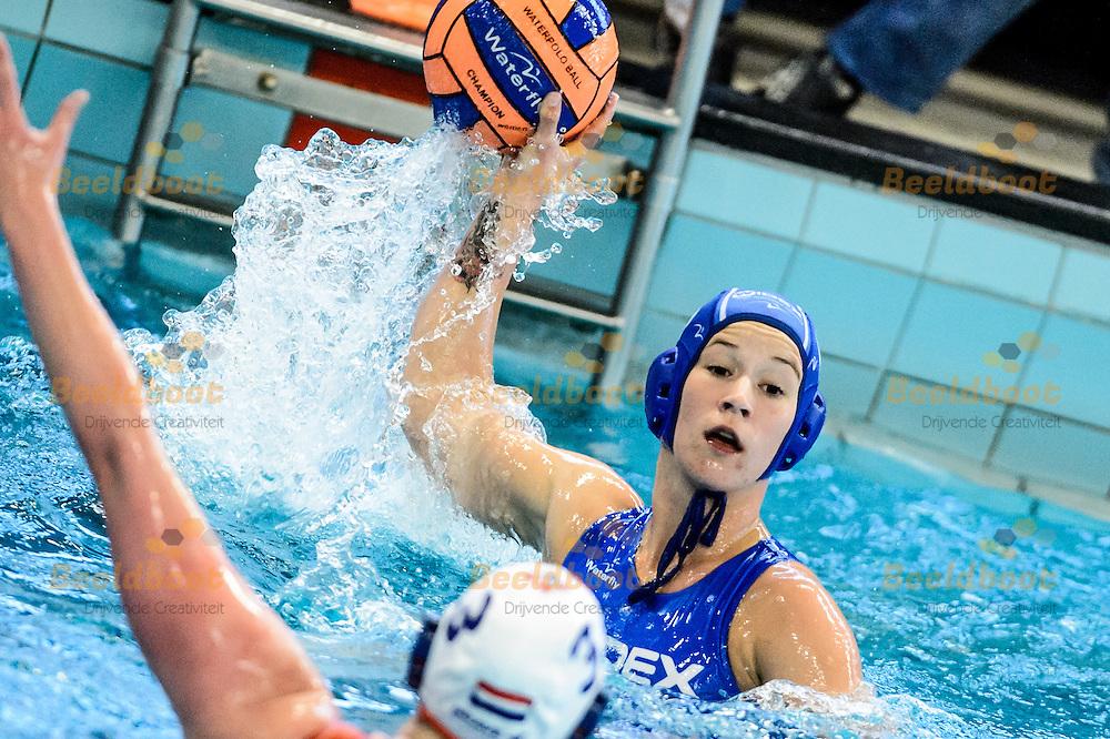 12-05-2015: Waterpolo: Widex GZC Donk v ZVL BAM: Leiden<br /> <br /> (L-R): Nomi Stomphorst van GZC Donk<br /> <br /> Finale NK game 2 <br /> Dames seizoen 2014-2015