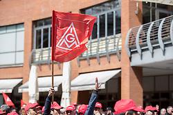 "03.05.2016, Clemensgalerien, Muehlenplatz, Solingen, GER, Warnstreik IG Metall, im Bild Fahne der IG Metall // during a Emptive strike of the trade union ""IG Metall"" at the Clemensgalerien, Muehlenplatz in Solingen, Germany on 2016/05/03. EXPA Pictures © 2016, PhotoCredit: EXPA/ Eibner-Pressefoto/ Deutzmann<br /> <br /> *****ATTENTION - OUT of GER*****"