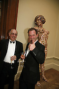 DAVID THORP AND GARY HUME, Royal Academy Annual dinner. Royal Academy, Piccadilly. 6 June 2006. ONE TIME USE ONLY - DO NOT ARCHIVE  © Copyright Photograph by Dafydd Jones 66 Stockwell Park Rd. London SW9 0DA Tel 020 7733 0108 www.dafjones.com