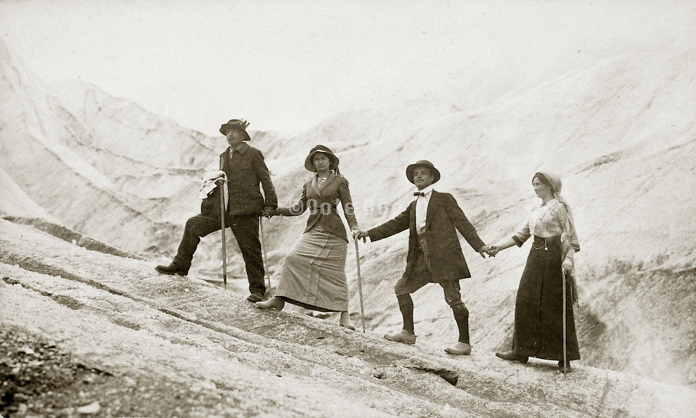 early tourism mountain climbing 1914 France
