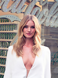 © Licensed to London News Pictures. 19/09/2014, UK. Rosie Huntington-Whitely Launches Coca-Cola Life, Coca Cola Life boutique, London UK, 19 September 2014. Photo credit : Mike Webster/Piqtured/LNP