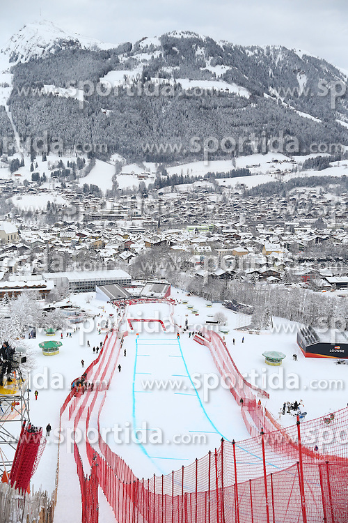 19.01.2016, Streif, Kitzbuehel, AUT, FIS Weltcup Ski Alpin, Kitzbuehel, 1. Abfahrtstraining, Herren, im Bild Übersicht auf den Zielbereich und Kitzbuehel // Overview of the finish area and thw Village of Kitzbuhel during 1st Training of the men's Downhill Race of Kitzbuehel FIS Ski Alpine World Cup at the Streif in Kitzbuehel, Austria on 2016/01/19. EXPA Pictures © 2016, PhotoCredit: EXPA/ Johann Groder