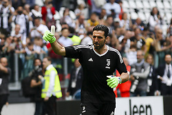 May 19, 2018 - Turin, Italy - Juventus goalkeeper Gianluigi Buffon (1) warms up before the Serie A football match n.38 JUVENTUS - VERONA on 19/05/2018 at the Allianz Stadium in Turin, Italy. (Credit Image: © Matteo Bottanelli/NurPhoto via ZUMA Press)