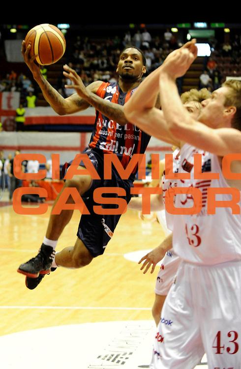 DESCRIZIONE : Milano Lega A 2011-12 EA7 Olimpia Milano Angelico Biella<br /> GIOCATORE : Aubrey Coleman<br /> CATEGORIA : Tiro<br /> SQUADRA : Angelico Biella <br /> EVENTO : Campionato Lega A 2011-2012 <br /> GARA : EA7 Olimpia Milano Angelico Biella<br /> DATA : 06/05/2012<br /> SPORT : Pallacanestro <br /> AUTORE : Agenzia Ciamillo-Castoria/A.Giberti<br /> Galleria : Lega Basket A 2011-2012  <br /> Fotonotizia : Milano Lega A 2011-12 EA7 Olimpia Milano Angelico Biella<br /> Predefinita :
