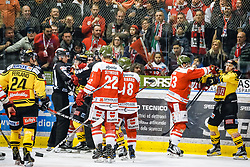 17.03.2017, Eiswelle, Bozen, ITA, EBEL, HCB Suedtirol Alperia vs UPC Vienna Capitals, Playoff, Halbfinale, 2. Spiel, im Bild Rauferei // during the Erste Bank Icehockey League, playoff semifinal 2nd match between HCB Suedtirol Alperia and UPC Vienna Capitals at the Eiswelle in Bozen, Italy on 2017/03/17. EXPA Pictures © 2017, PhotoCredit: EXPA/ Johann Groder