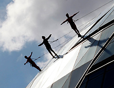 Streb extreme action dancers 15-7-12