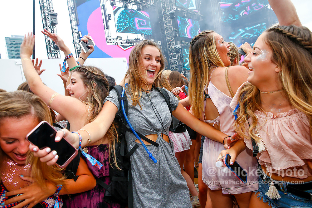 CHICAGO, IL - AUGUST 04: General Atmosphere during day two of Lollapalooza at Grant Park on August 4, 2017 in Chicago, Illinois. (Photo by Michael Hickey/Getty Images)
