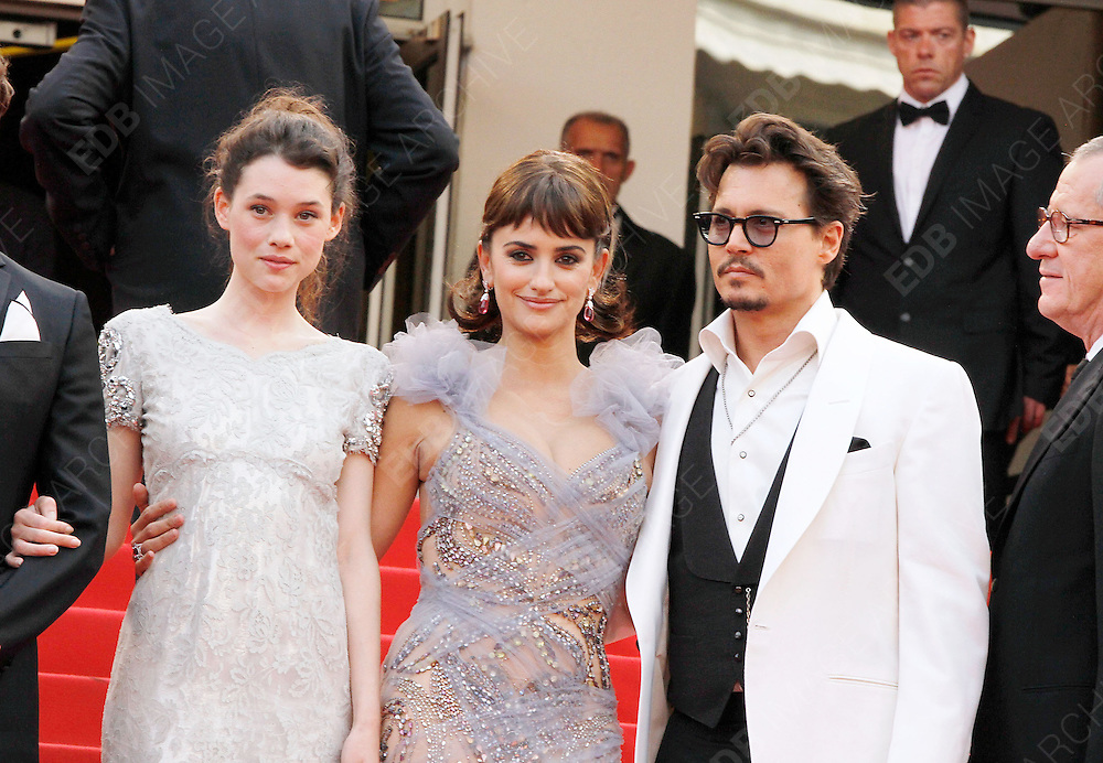 14.MAY.2011. CANNES<br /> <br /> ASTRID BERGES-FRISBEY, PENELOPE CRUZ AND JOHNNY DEPP ON THE RED CARPET FOR THE PIRATES OF THE CARIBBEAN: ON THE STRANGER TIDES PREMIERE AT THE 64TH CANNES INTERNATIONAL FILM FESTIVAL 2011 IN CANNES, FRANCE<br /> <br /> BYLINE: EDBIMAGEARCHIVE.COM<br /> <br /> *THIS IMAGE IS STRICTLY FOR UK NEWSPAPERS AND MAGAZINES ONLY*<br /> *FOR WORLD WIDE SALES AND WEB USE PLEASE CONTACT EDBIMAGEARCHIVE - 0208 954 5968*