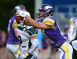 17.05.2015, Hohe Warte, Wien, AUT, BIG6, AFC Vienna Vikings vs Schwaebisch Hall Unicorns, im Bild Joey Gabrick (AFC Vienna Vikings, #85) // during the BIG6 game between AFC Vienna Vikings vs Schwaebisch Hall Unicorns at the Hohe Warte, Wien, Austria on 2015/05/17. EXPA Pictures © 2015, PhotoCredit: EXPA/ Thomas Haumer