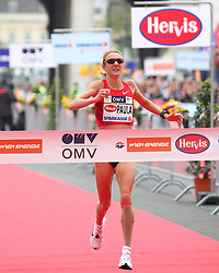 15.04.2012, Wien, AUT, Vienna City Marathon 2012, im Bild Zieleinlauf Paula Radcliffe (UK) // during the Vienna City Marathon 2012, Vienna, Austria on 15/04/2012,  EXPA Pictures © 2012, PhotoCredit: EXPA/ T. Haumer